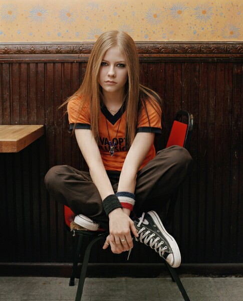 avril lavigne, old and 2000