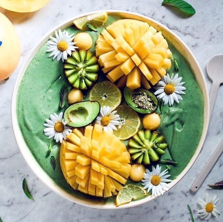 daisy, smoothie bowl, yummy and healthy
