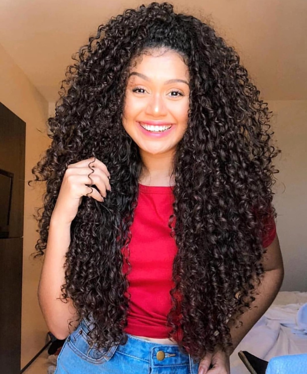 Baddie Instagram Curly Hair And Hot Image 6066160 On Favim Com