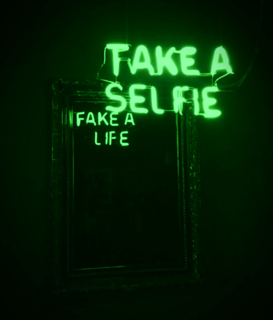green, glow blog, glow art and neon signs