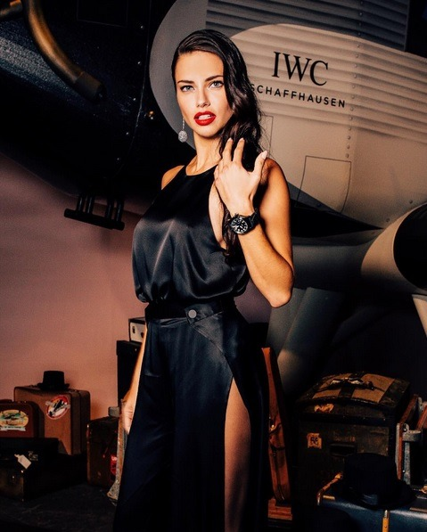 hairstyle, adriana lima and style