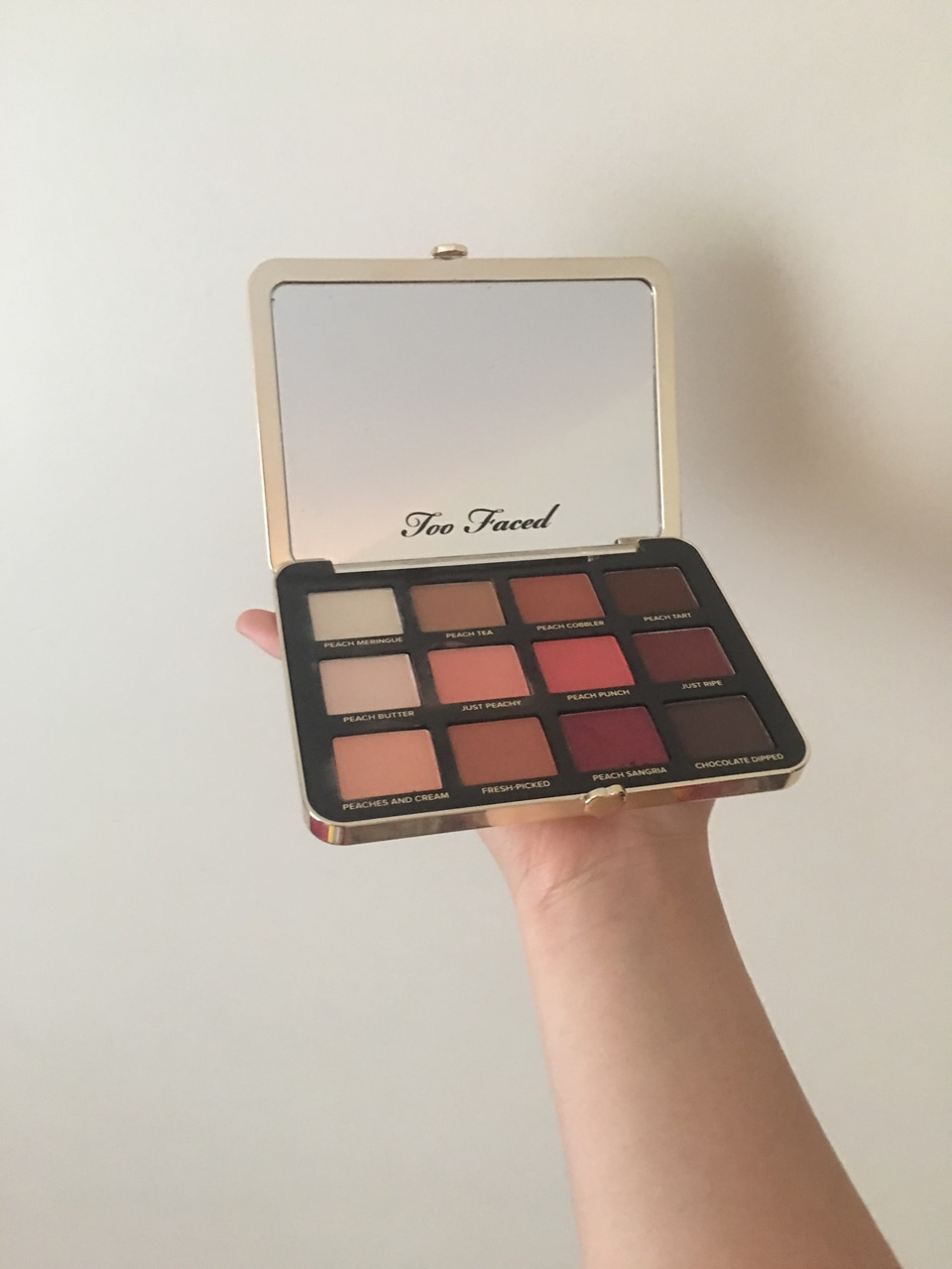 makeup, eye shadow, minimal and too faced peach
