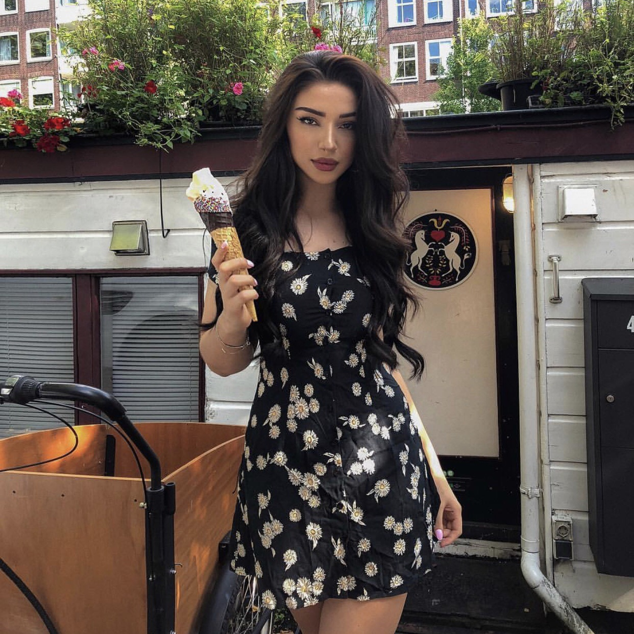 hairstyle, girls, curly and ice cream