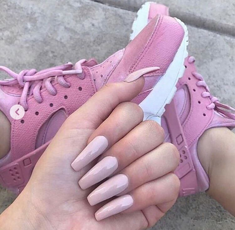 inspo, pink and sneakers