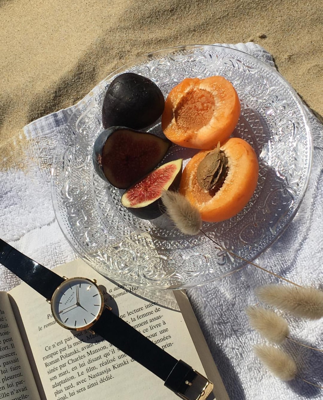 style, fashion, apricots and accessories