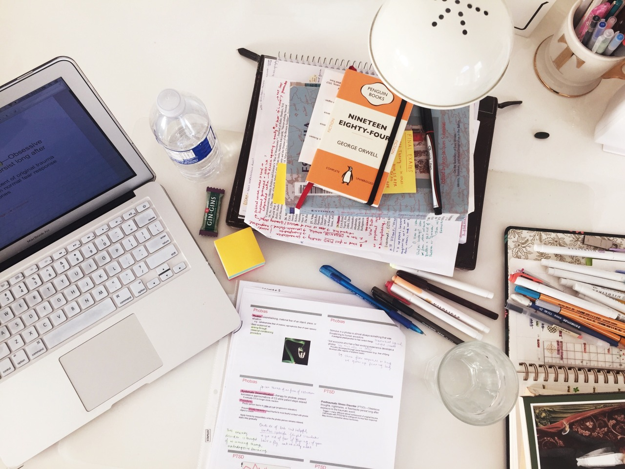 study place, notes, school supplies and uni