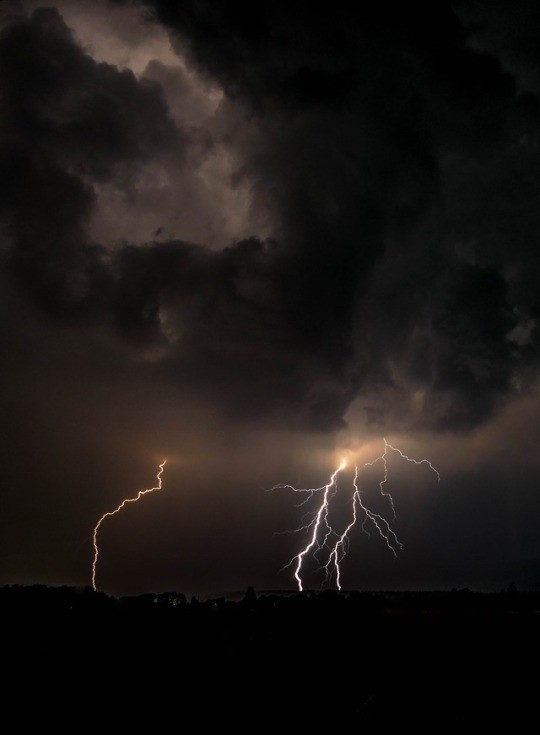 thunderstorm, thunderstorms, sky and aesthetic