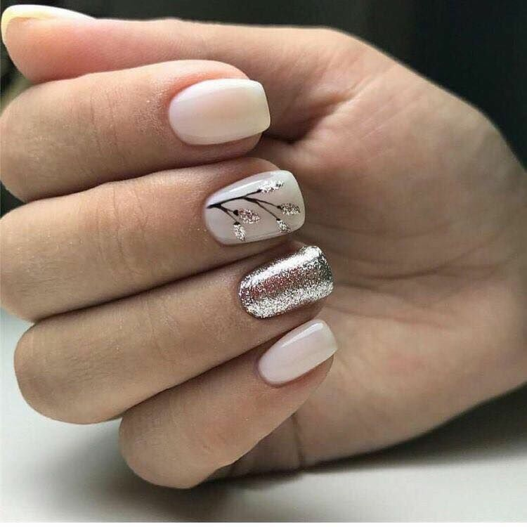 cute, short nails and glitter
