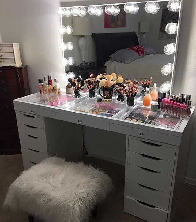 makeupstorage, highlighter and beauty