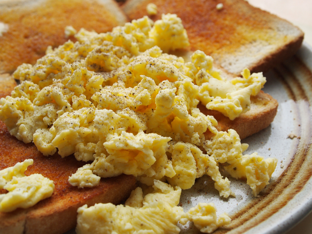 lunch, hot, scrambled eggs and english