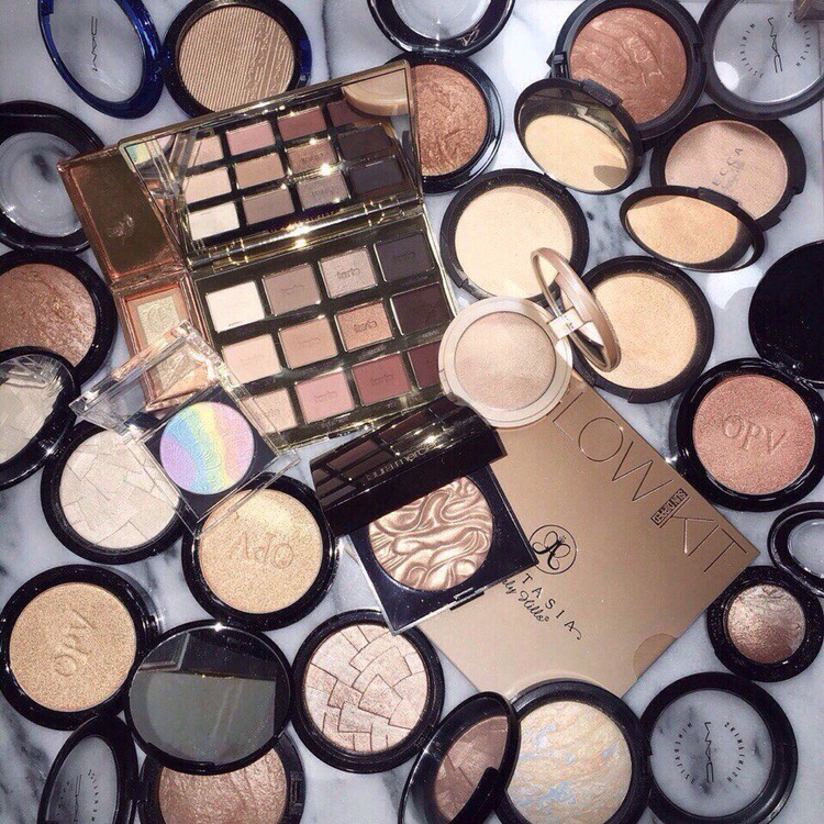 golden, beauty products, make up and mac cosmetics