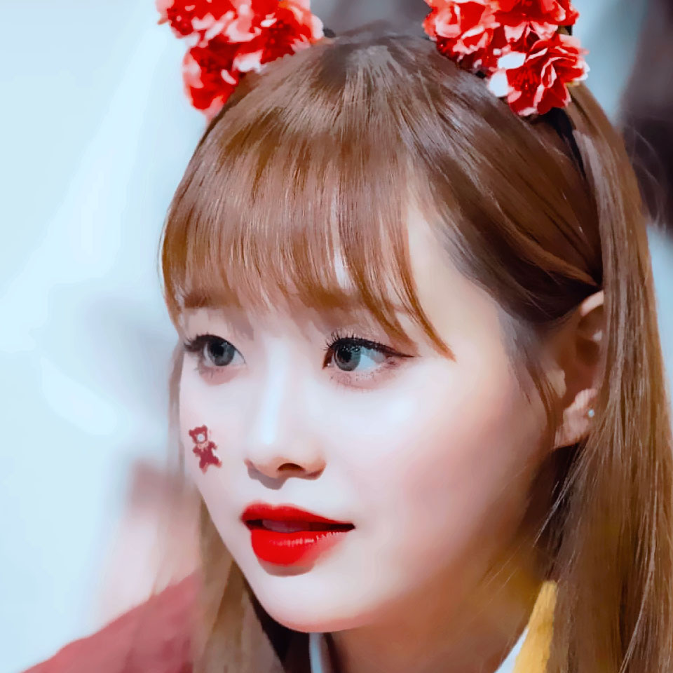 loona, chuu icons, kpop and fansign