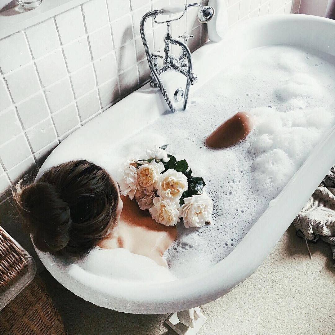 bathtub, vibe, alternative and hipster