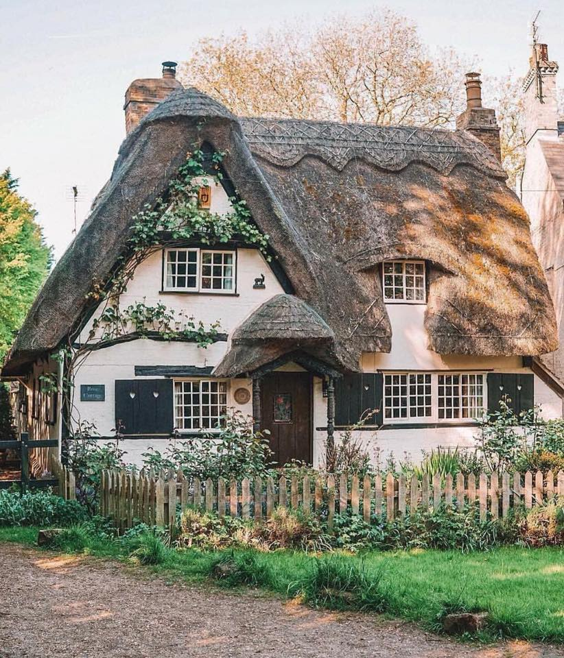 english, countryside, thatched cottage and country living