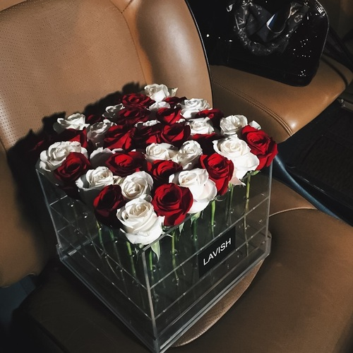 flowers, rich lifestyle, luxurious lifestyle and luxury