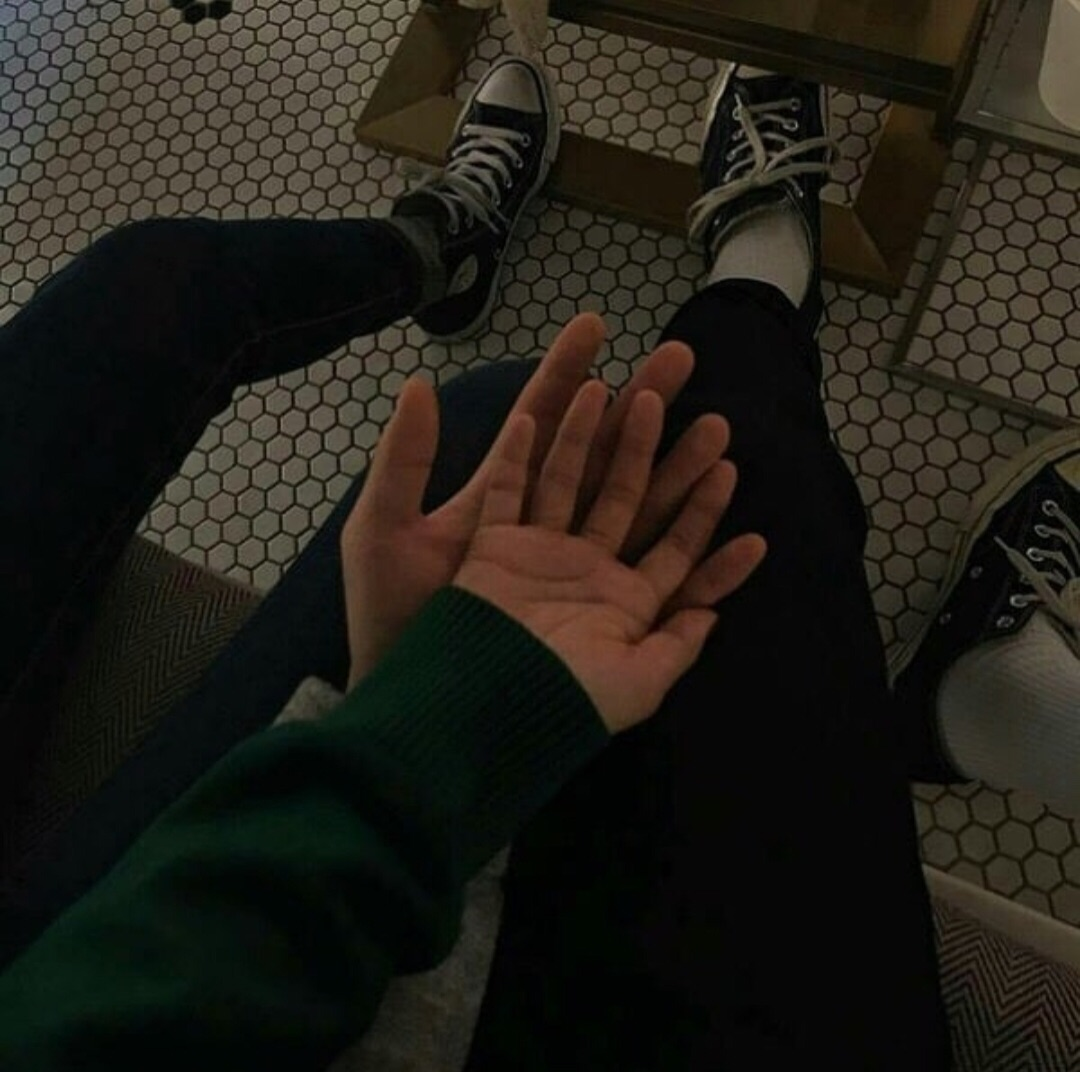 hands, stay, relationship and boyfriend