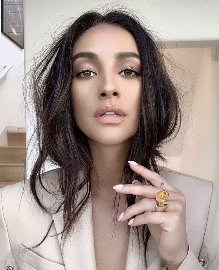 shay mitchell, pretty little liars and fashion