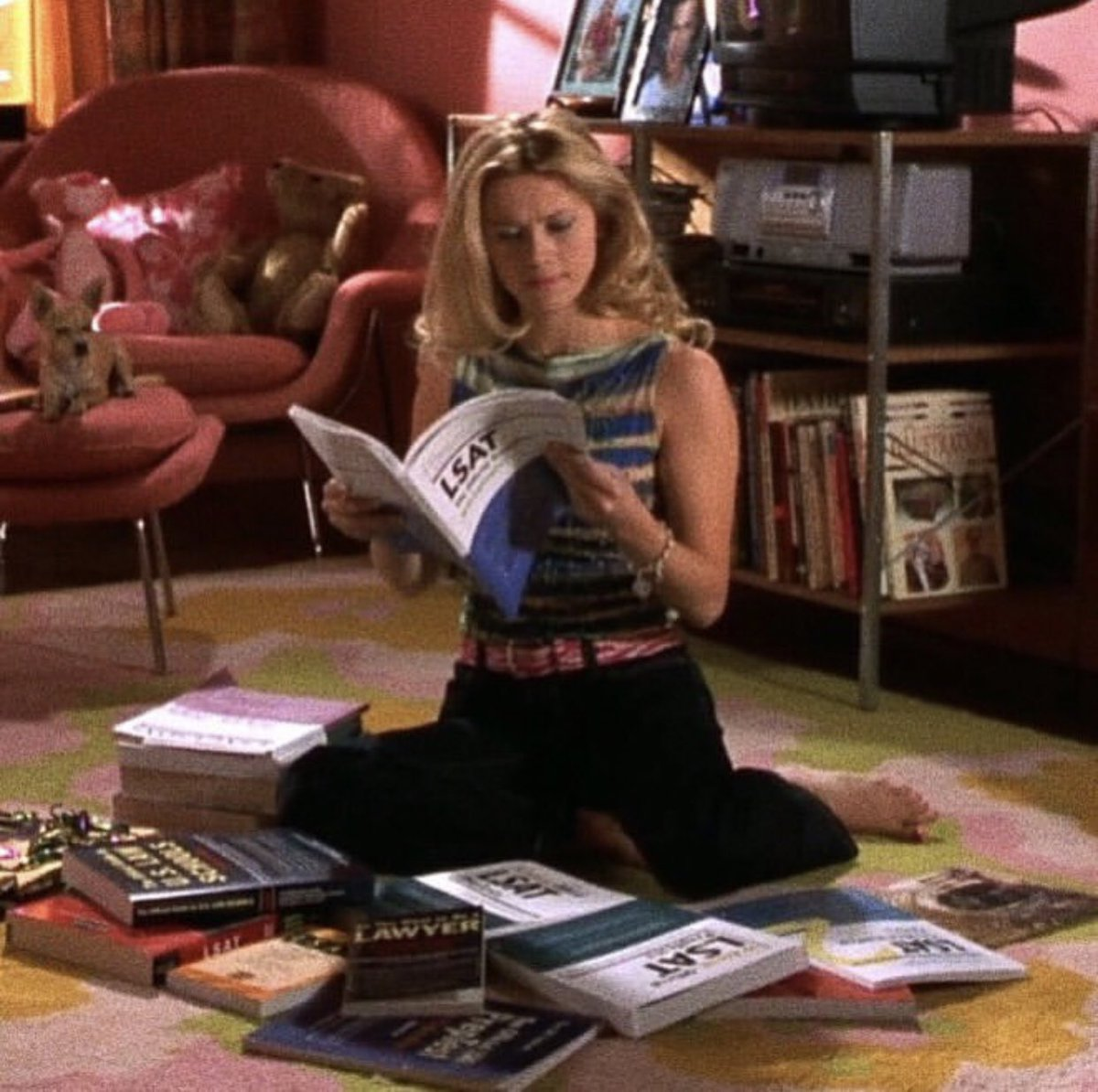 elle woods, legally blonde, book and smart