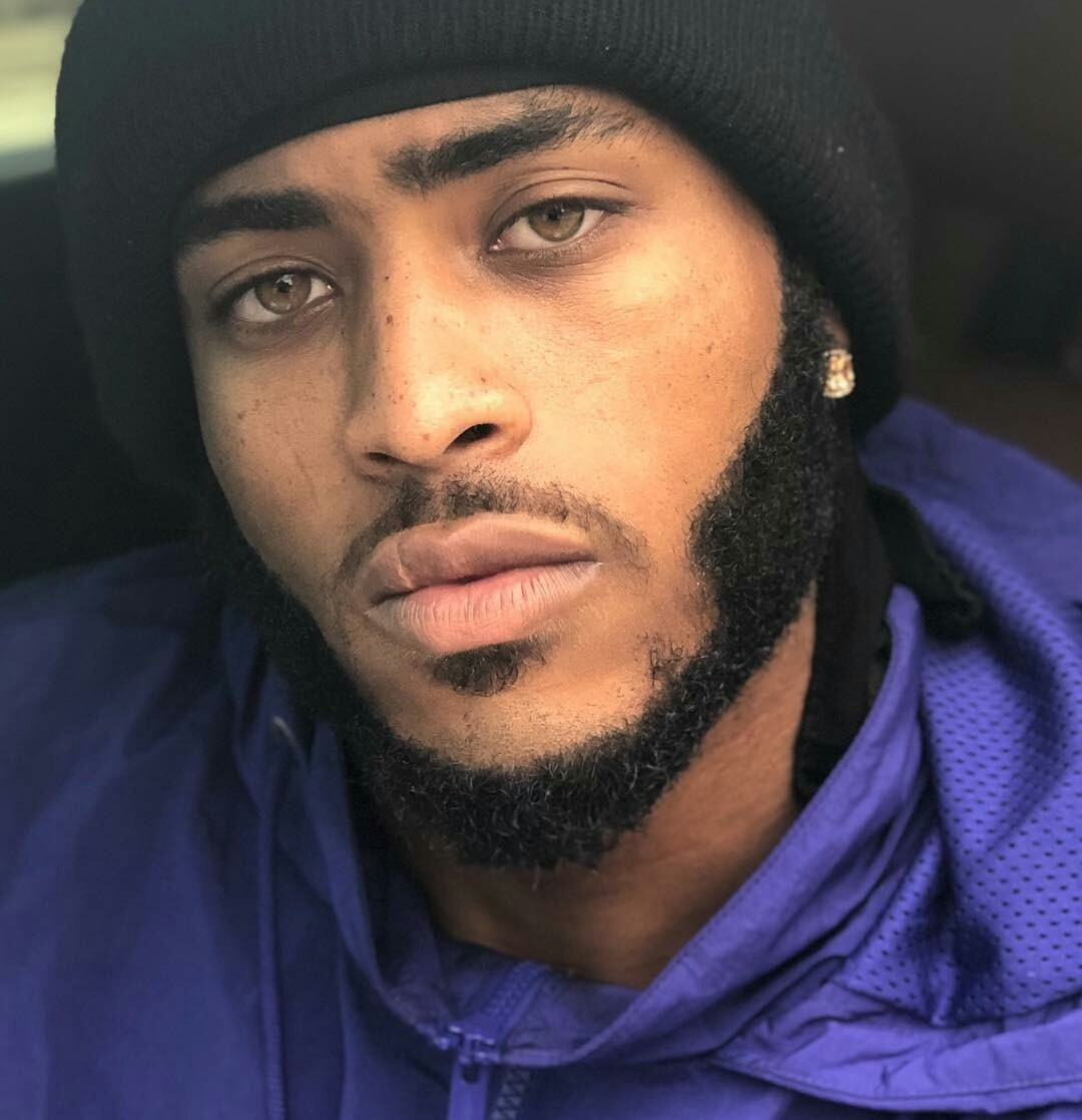 eyes, beards, fine and freckles