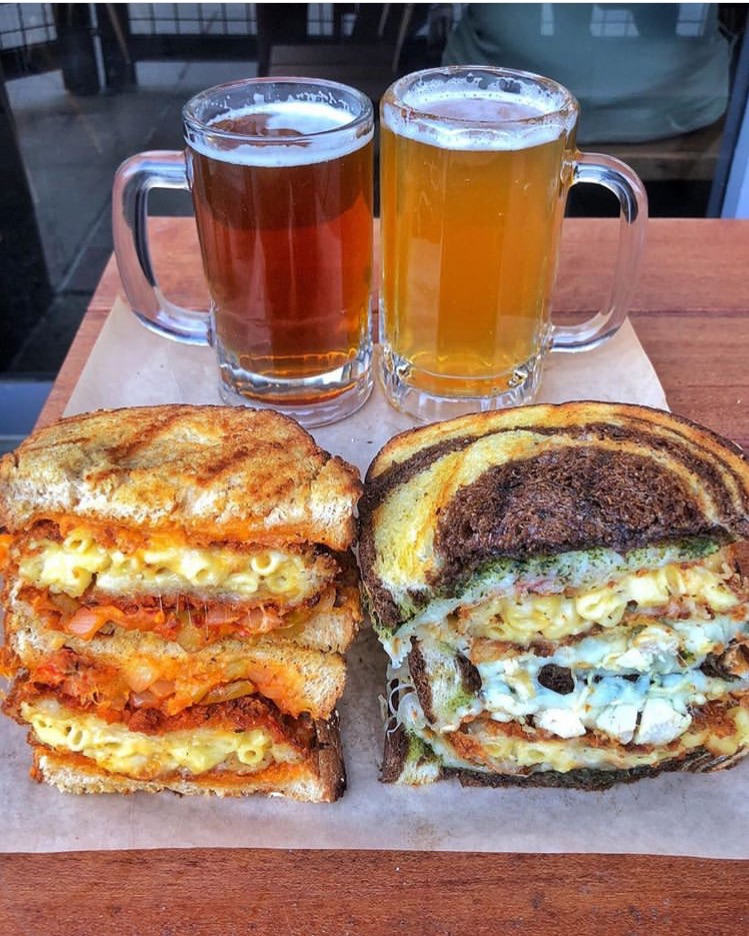 delicious, chicken, grilled sandwich and macaroni