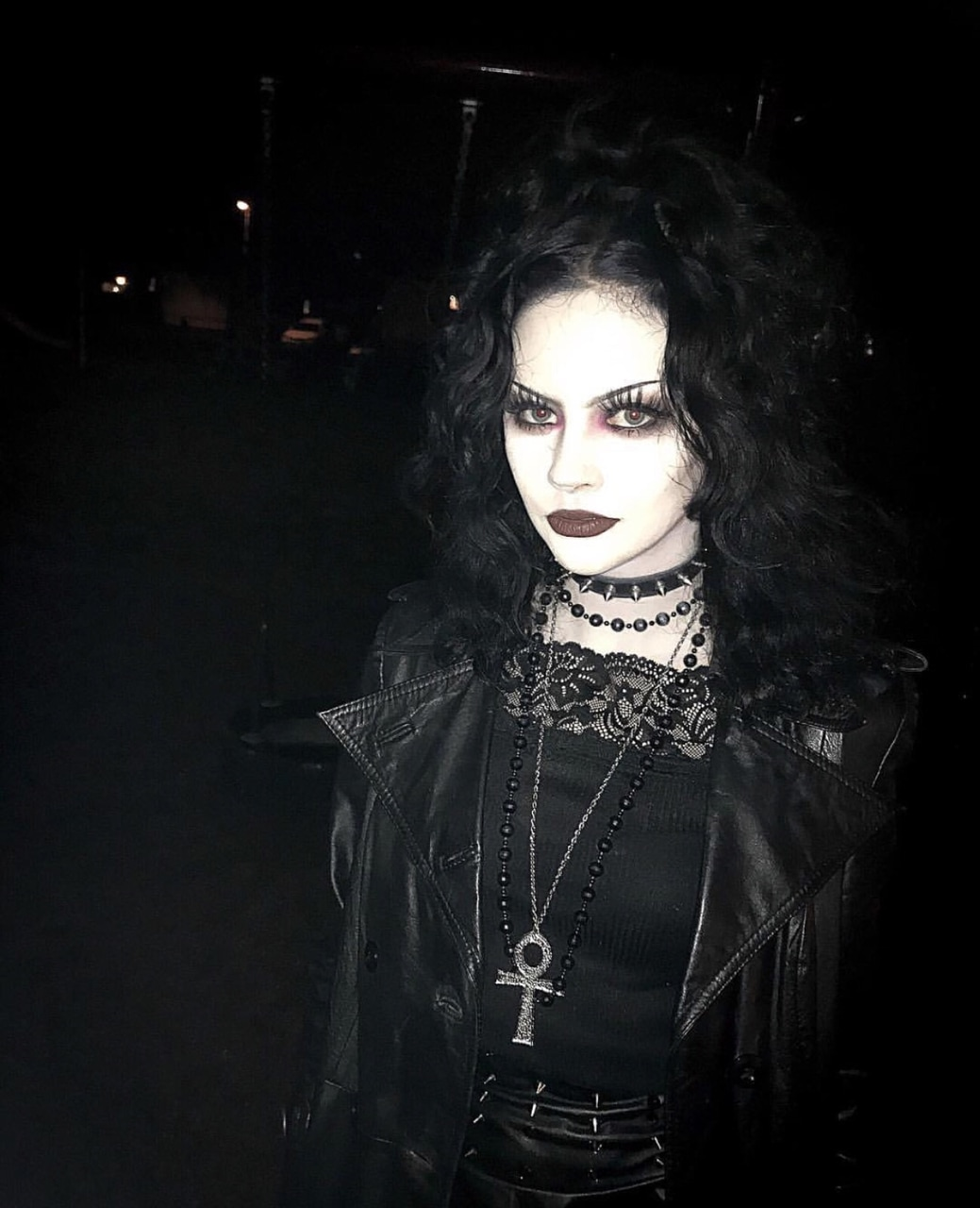 gothic, gothic girl, choker and gothic aesthetic