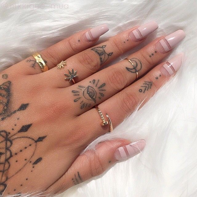 nail inspo, perfect outfit, girls indie and tumblr inspo
