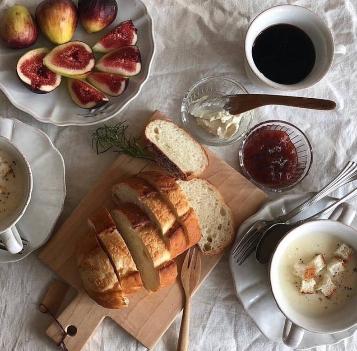 figs, fruit, bread and coffee